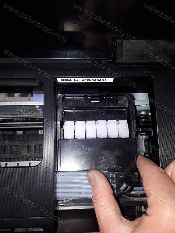 باز کردن درب پوش دمپر روی کارتریج های پرینتر جوهر افشان اپسون l800 , l805